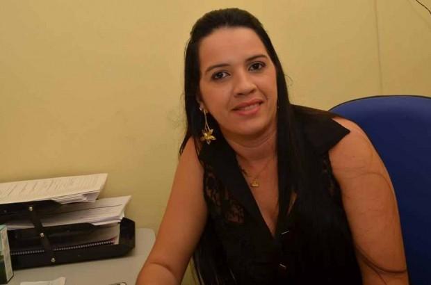 Cybelle-secretaria
