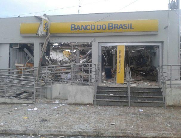 Prefeito se re ne com superintend ncia do banco do brasil for Banco exterior agencias