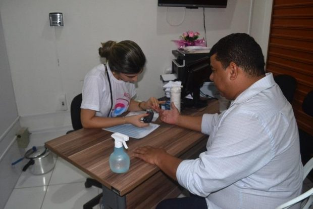 Prefeitura de Alhandra inicia programação do Novembro Azul com palestra para garis sobre prevenção ao câncer de próstata