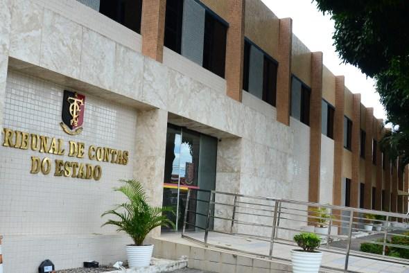 Tribunal de Contas alerta 11 municípios após análise de portais