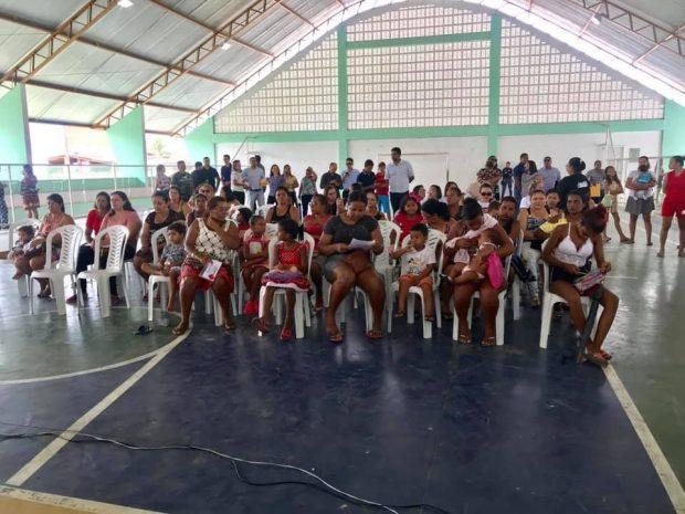 Famílias de Alhandra são cadastradas no maior programa municipal de transferência de renda da Paraíba